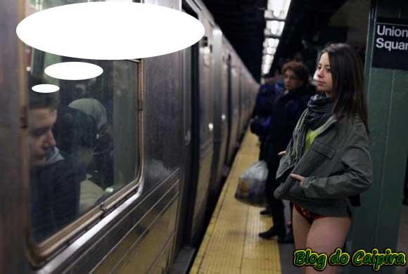 garota pelada no metrô
